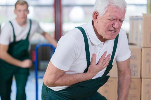 दिल का दौरा पड़ने के लक्षण और बचने के उपाय एवं उपचार