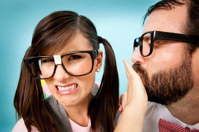 मुंह की बदबू दूर करने के आसान उपाय और घरेलू इलाज