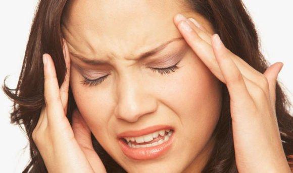 Sir Dard ke Gharelu Upay - Headache Treatment in Hindi सिरदर्द का घरेलू उपचार