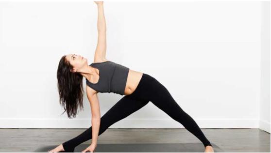 Trikonasana Yoga Skin ko fit rakhne ke liye